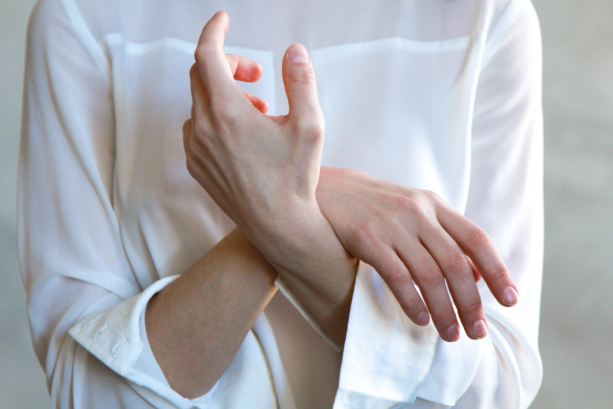 Slika negovanih ruku